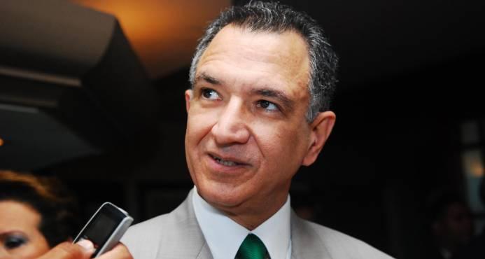 Víctor Grimaldi denuncia trama para desestabilizar al país