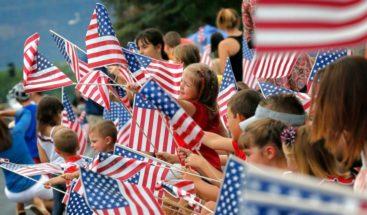 Cientos de inmigrantes se convierten en ciudadanos de EE.UU. este 4 de julio