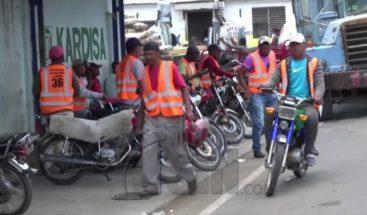 Varios Motoconchistas heridos en pleito por rutas en Dajabón