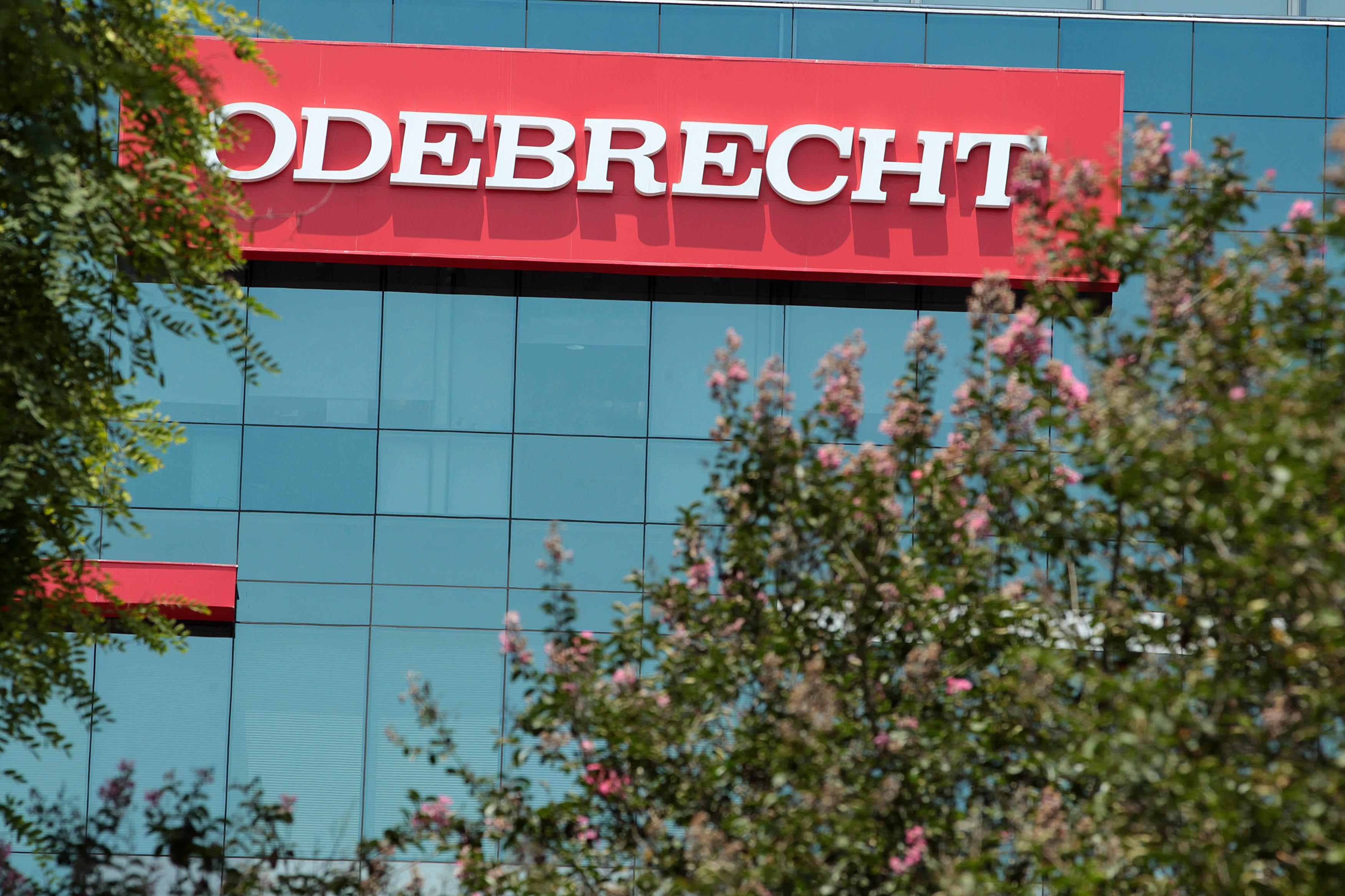 Separan del cargo a fiscal que llevaba el caso Odebrecht en Perú