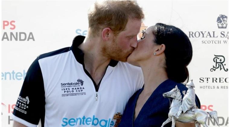 El poco protocolar beso de Meghan Markle y el príncipe Harry