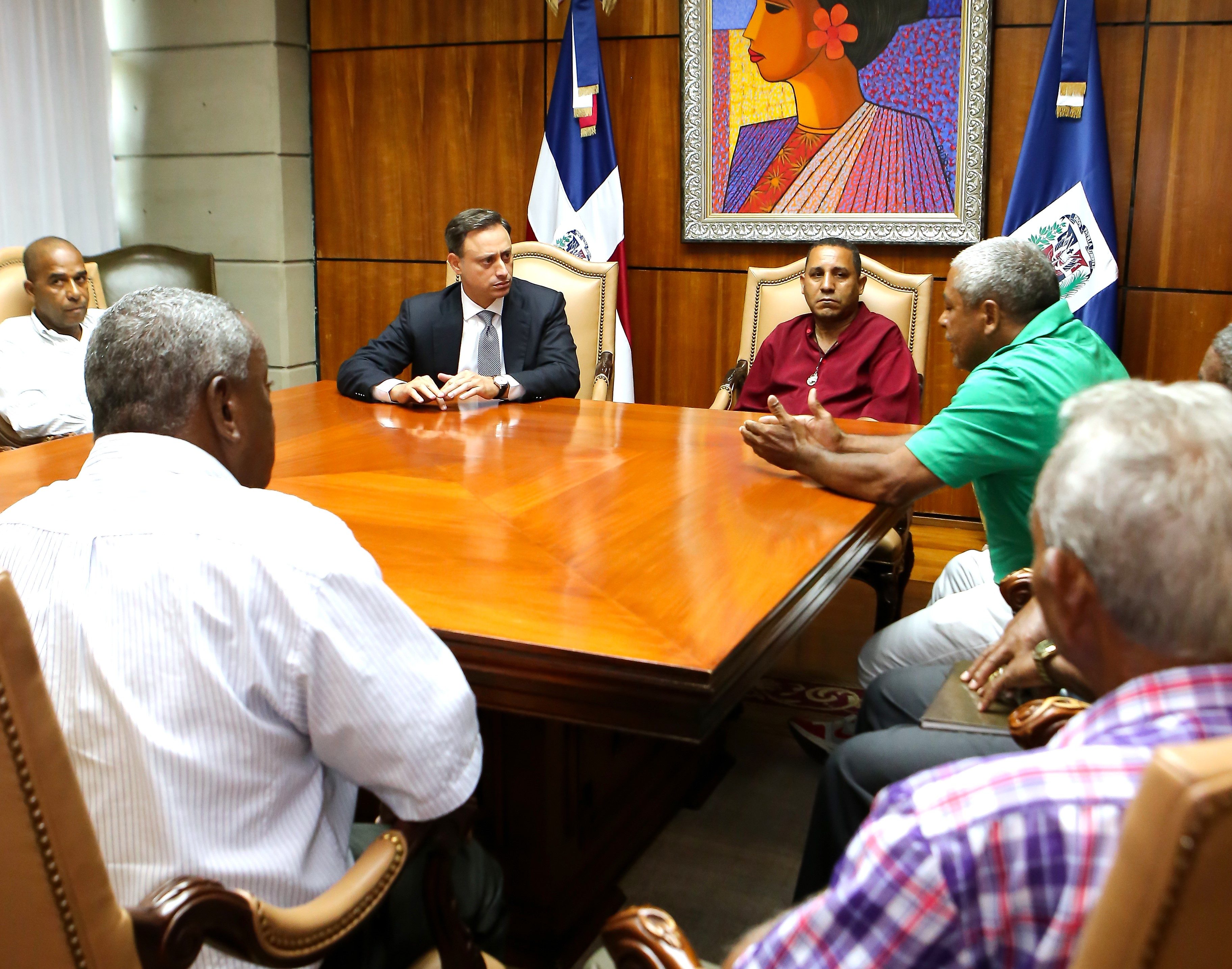 Procurador se reúne con Comité de Lucha de Los Tres Brazos