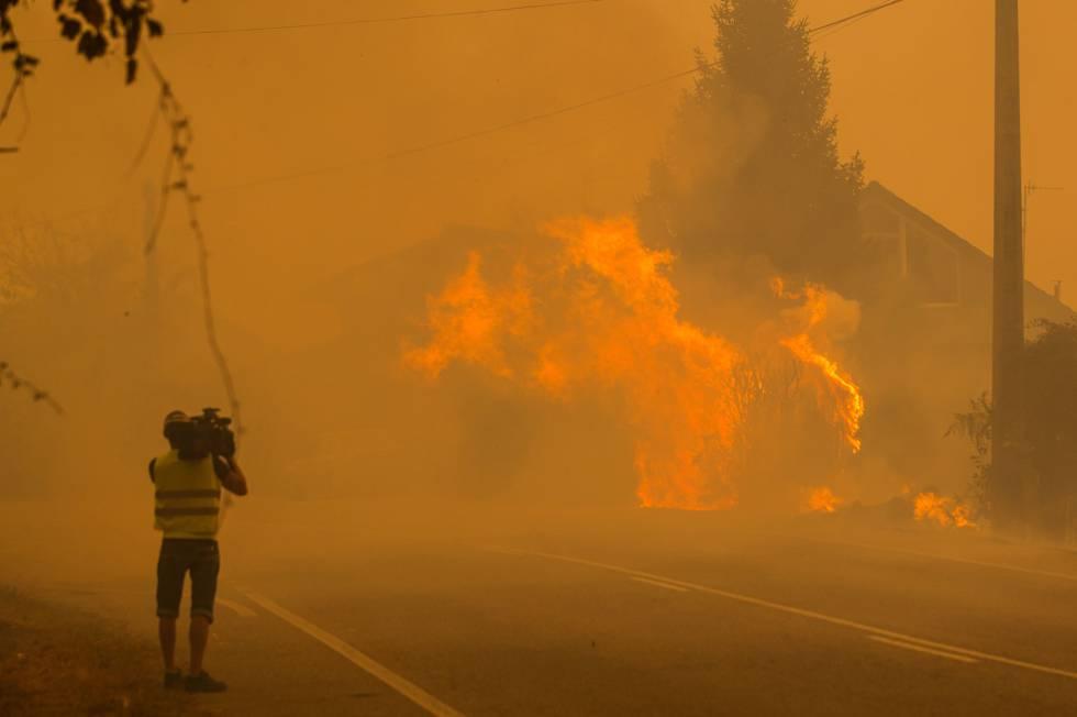 Cifra de muertos por incendios en Grecia supera los 60, según alcalde