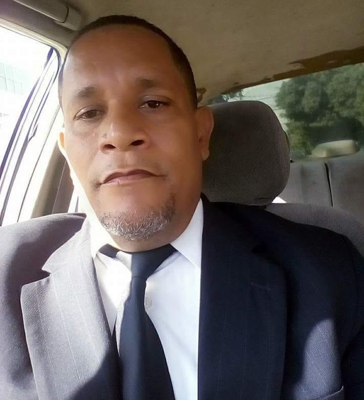 Matan a puñaladas teniente retirado de la Policía en SDE