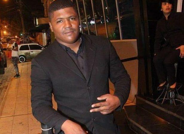 Un agente policial mata otro por alto volumen de la música