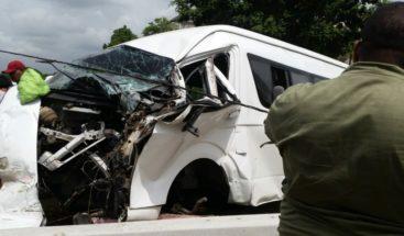 Al menos 10 heridos en accidente de tránsito en autopista 6 de Noviembre