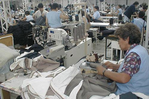 Índice mensual de actividad manufacturera desciende en el mes de junio