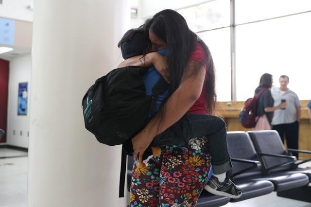 Ordenan a EE.UU. entregar plan de reunificación de familias migrantes