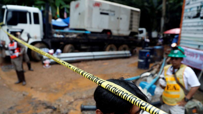 Hallan con vida a 12 niños y su entrenador de fútbol perdidos durante 10 días en Tailandia