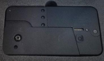 Entregan los primeros 'teléfonos celulares-pistola' a los clientes que los encargaron