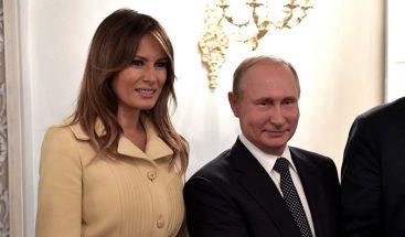 VIRAL: La 'terrorífica' reacción de Melania Trump tras saludar a Putin