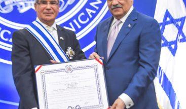 Cancillería impone condecoración a embajador de Israel en RD