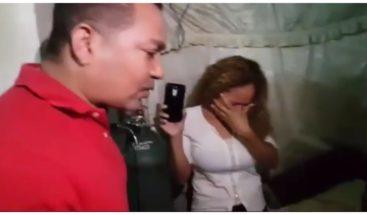 ¡Emotivo! Frank Reyes sorprende a una joven con cáncer de estómago