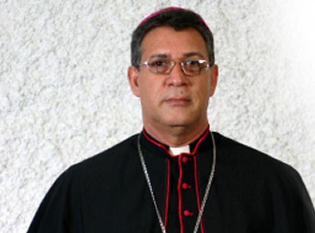 Fallece madre de Monseñor Diómedes Espinal, presidente de la CED
