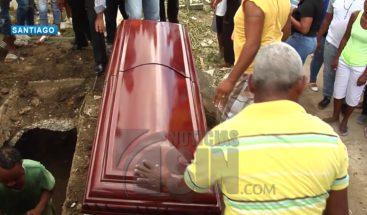 Sepultan restos de teniente PN muerto a manos de delincuentes en Santiago