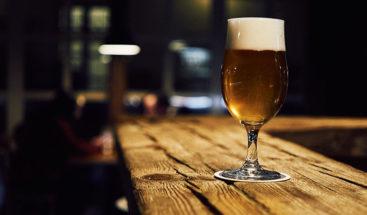Una mujer centenaria atribuye a la cerveza el secreto de su larga vida