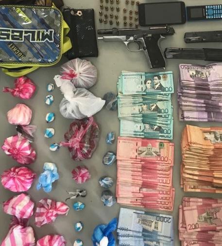 Desmantelan banda en Santiago y ocupan miles de porciones de drogas