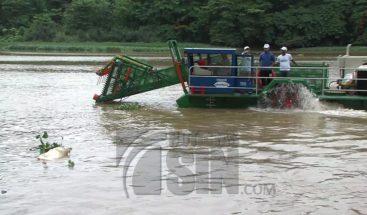 Dos barcos recolectores estarán a prueba para evitar contaminación en el río Ozama