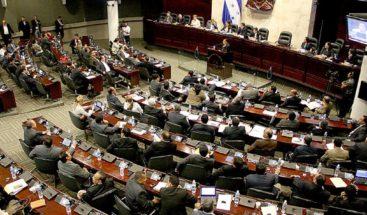 Ordenan incautar bienes a diputados y funcionarios hondureños por corrupción
