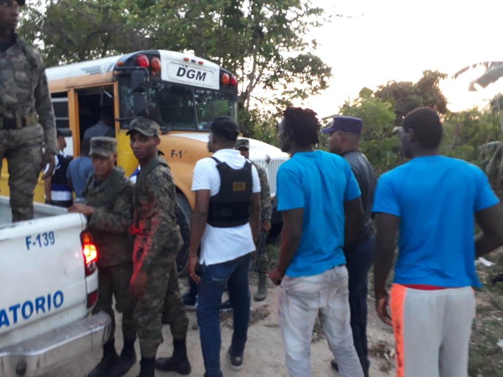 Migración realiza operativos de interdicción en dos provincias y el Gran Santo Domingo