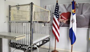 Embajada EEUU dona equipos médicos al Ministerio de Defensa