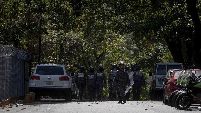 Nueve militares presos por presunto plan de golpe en Venezuela, según un diario