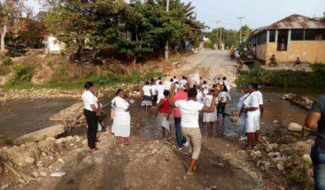 Reclaman construcción de puente en El Limón de Samaná