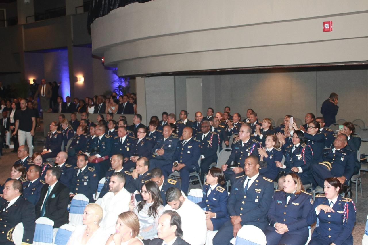 Hospital militar y Central de las FARD celebran graduación de residentes médicos