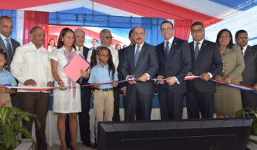Presidente Medina entrega centro educativo y ampliación del politécnico Loyola en San Cristóbal