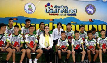 Los niños tailandeses atrapados en la cueva han sido dados de alta del hospital