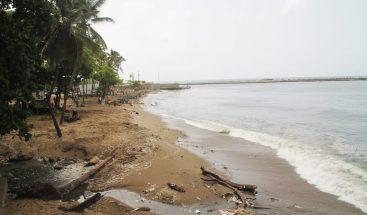 Ayuntamiento del Distrito Nacional concluye limpieza de la playa Montesinos
