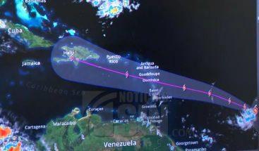 Huracán Beryl continúa su paso hacia las Antillas Menores