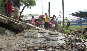Paredes colapsadas y casas inundadas en varios sectores de la capital