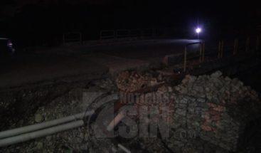 Deslizamiento tierra se produce en Cambita cuando brigadistas trabajaban en puente