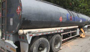 Residentes del sector La Cuchilla denuncia tanquero abandonado provoca brotes enfermedades