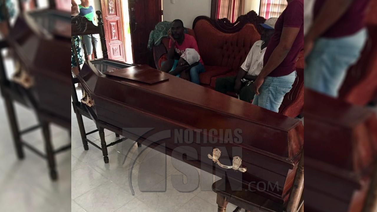 Mujer muere tras una patana impactar con su vivienda en Puerto Plata