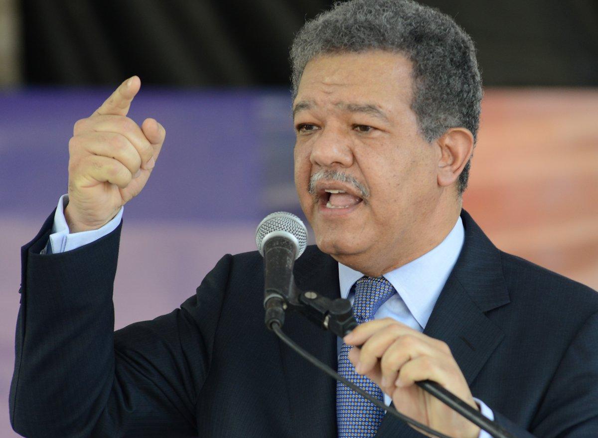Expresidente Fernández se solidariza con su homólogo ecuatoriano Rafael Correa