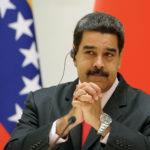 Venezolanos se preparan con angustia para recibir medidas de Maduro