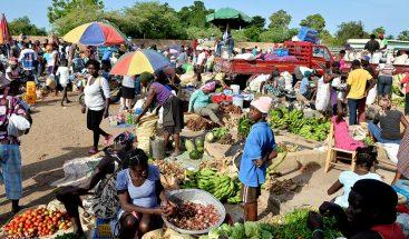 Mercado binacional se desarrolla de manera normal en Pedernales