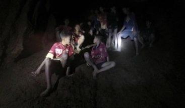 Cronología de los 12 niños y el entrenador atrapados en una cueva tailandesa