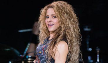 Shakira encumbra los Juegos de Barranquilla con un nostálgico concierto