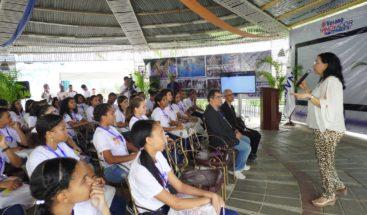 Promueven la innovación entre jóvenes en campamento