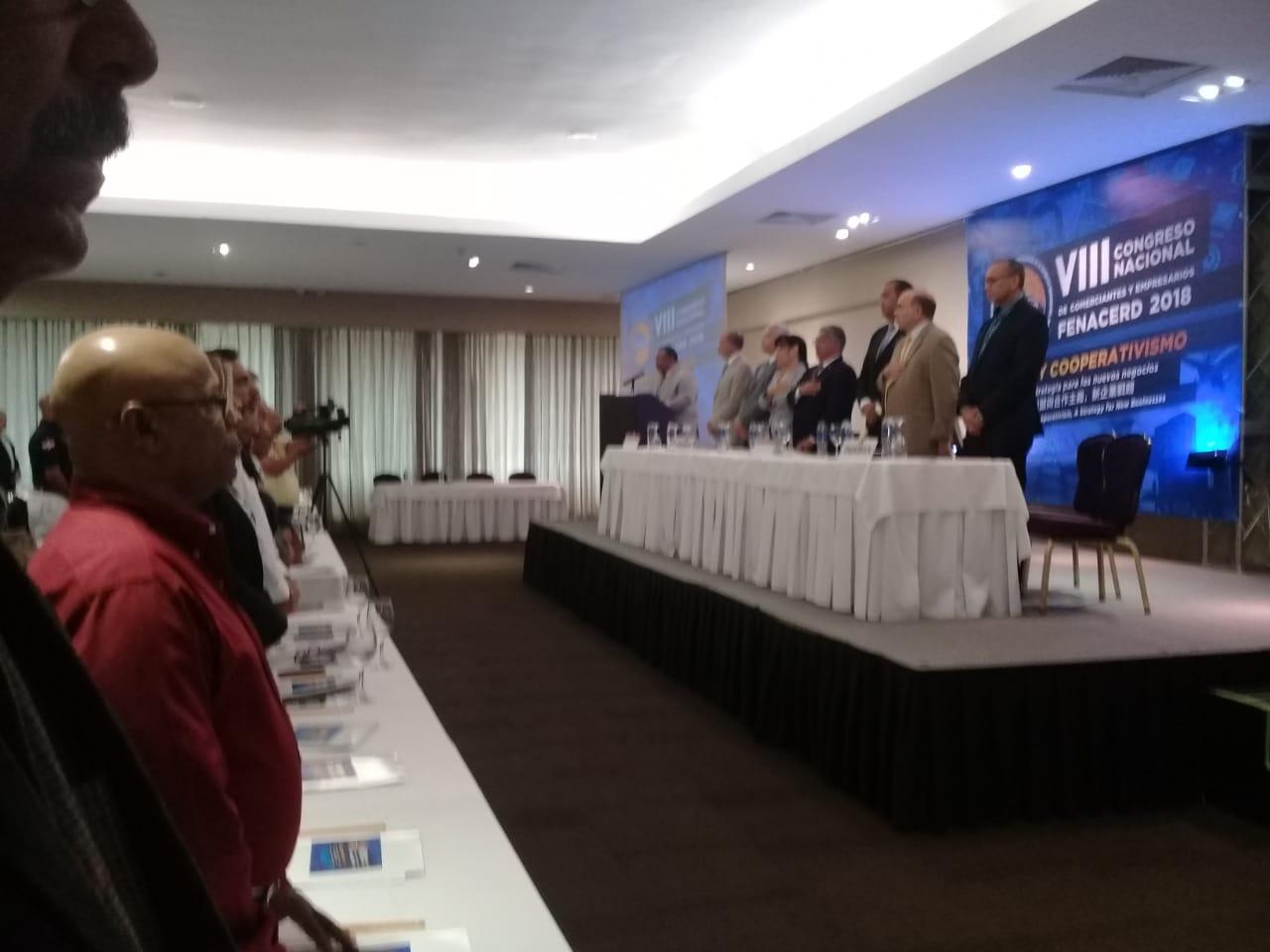 Presidente Fenacerd califica de preocupante construcción de plazas comerciales RD