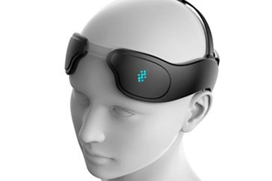 Desarrollan un casco que mejora la actividad cerebral y la memoria