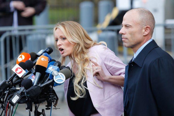El marido de Stormy Daniels la acusa de adulterio y le pide el divorcio