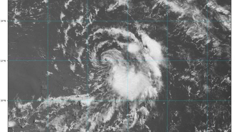 El huracán Beryl continúa su debilitamiento y se degrada a tormenta tropical