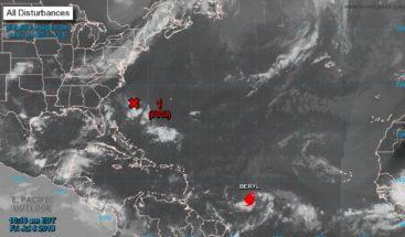 El huracán Beryl se fortalece mientras se aproxima a las Antillas Menores
