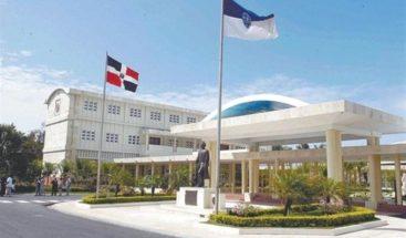 De manera organizada se lleva a cabo la segunda vuelta del proceso de elección en UASD