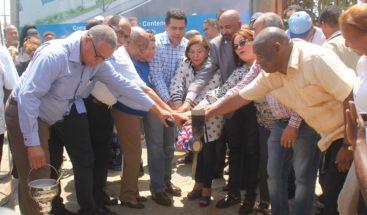 Alcaldía DN inicia trabajos construcción aceras y contenes