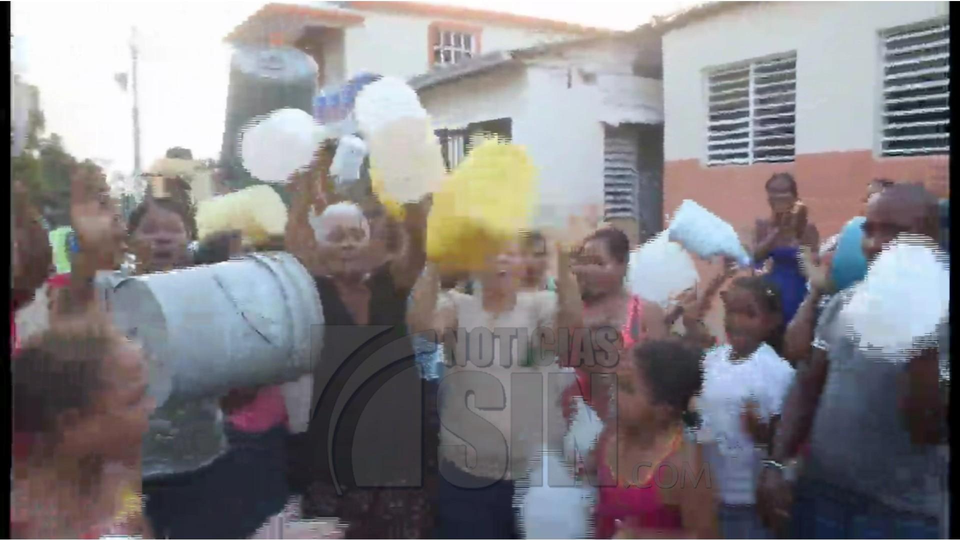Residentes protestan por la escasez de agua en Moca